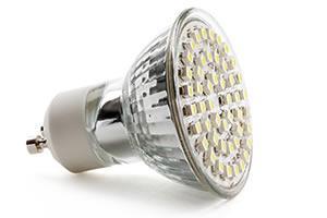Plafoniere Con Lampade A Risparmio Energetico : Risparmio energetico con lampadine a led e tubi savenergy