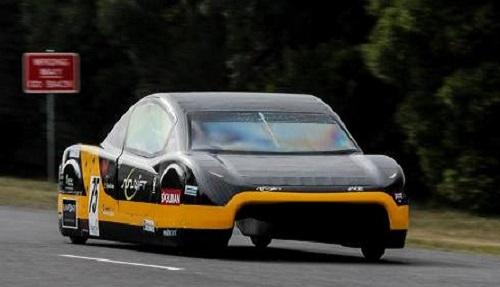 SunSwift è l'auto solare più veloce al mondo
